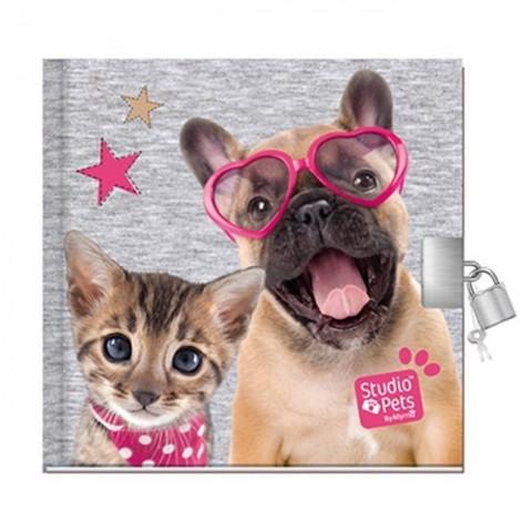 Pamiętnik Studio Pet's z psem i kotem