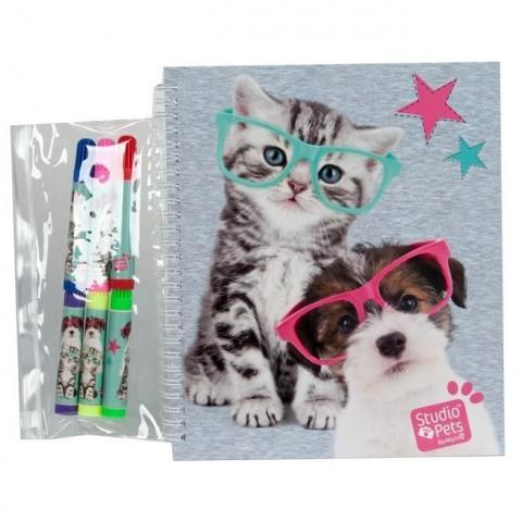 Książeczka z naklejkami Studio Pets - kotek i piesek