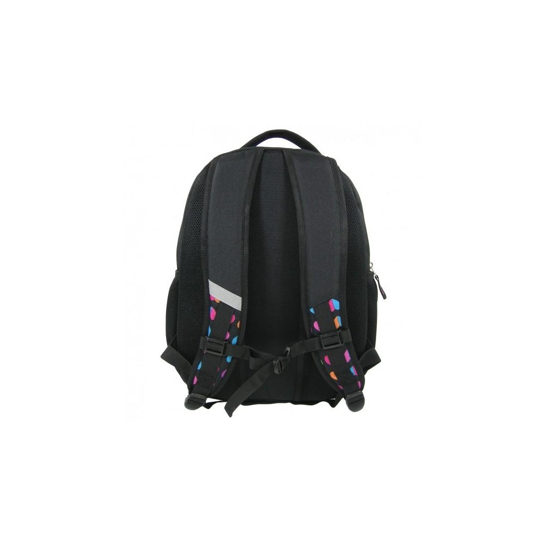 Plecak młodzieżowy czarny w kolorowe serduszka - plecak-tornister.pl